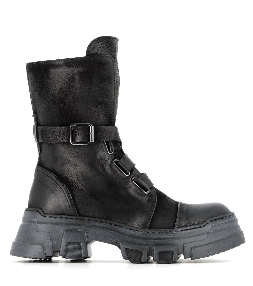 boots 1027 black