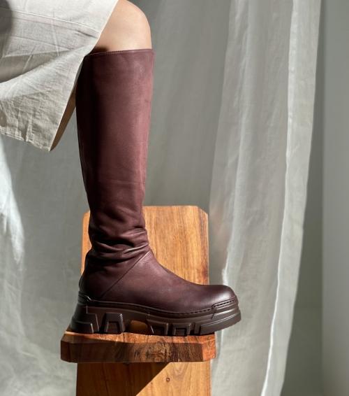 boots 1042 melanzana