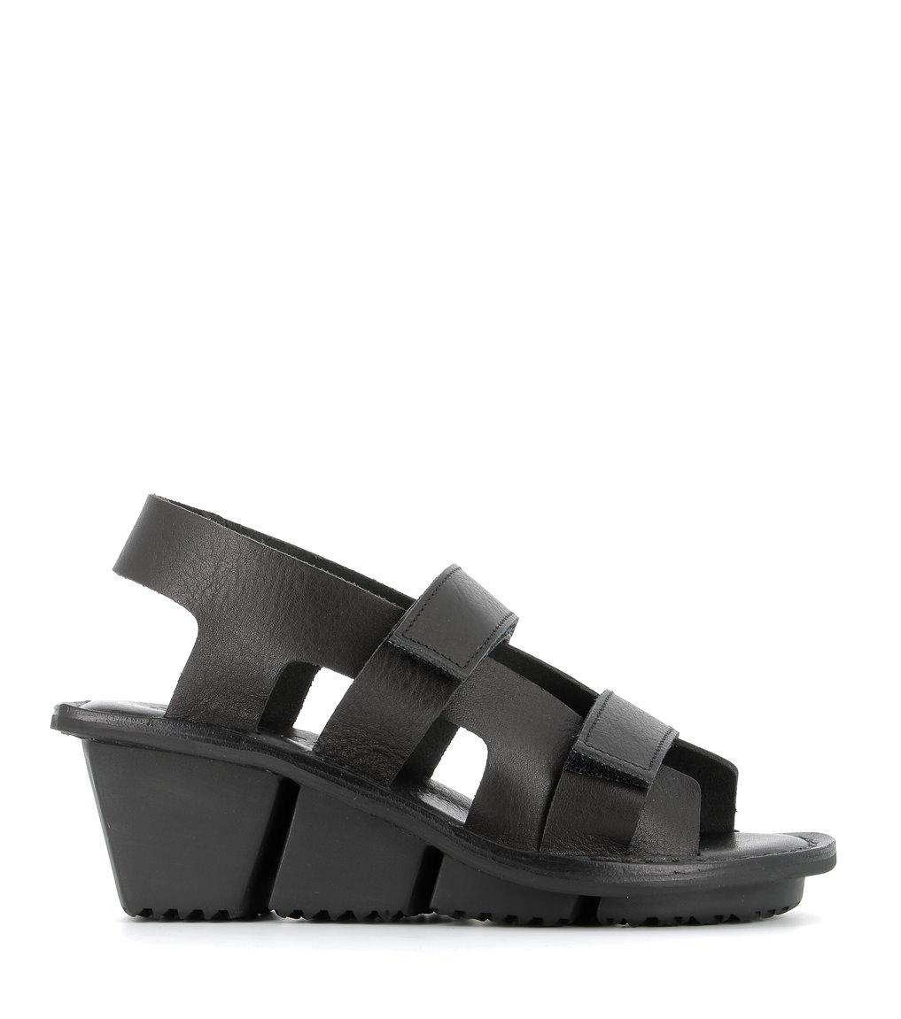 sandals damage f black