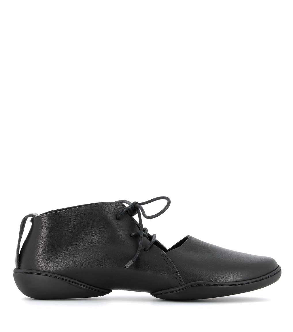 casual shoes bare f black